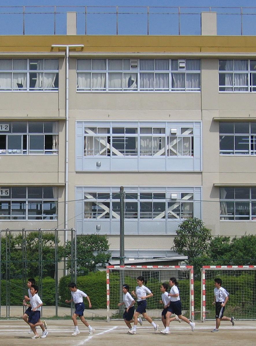 柏市立富勢中学校のサムネイル