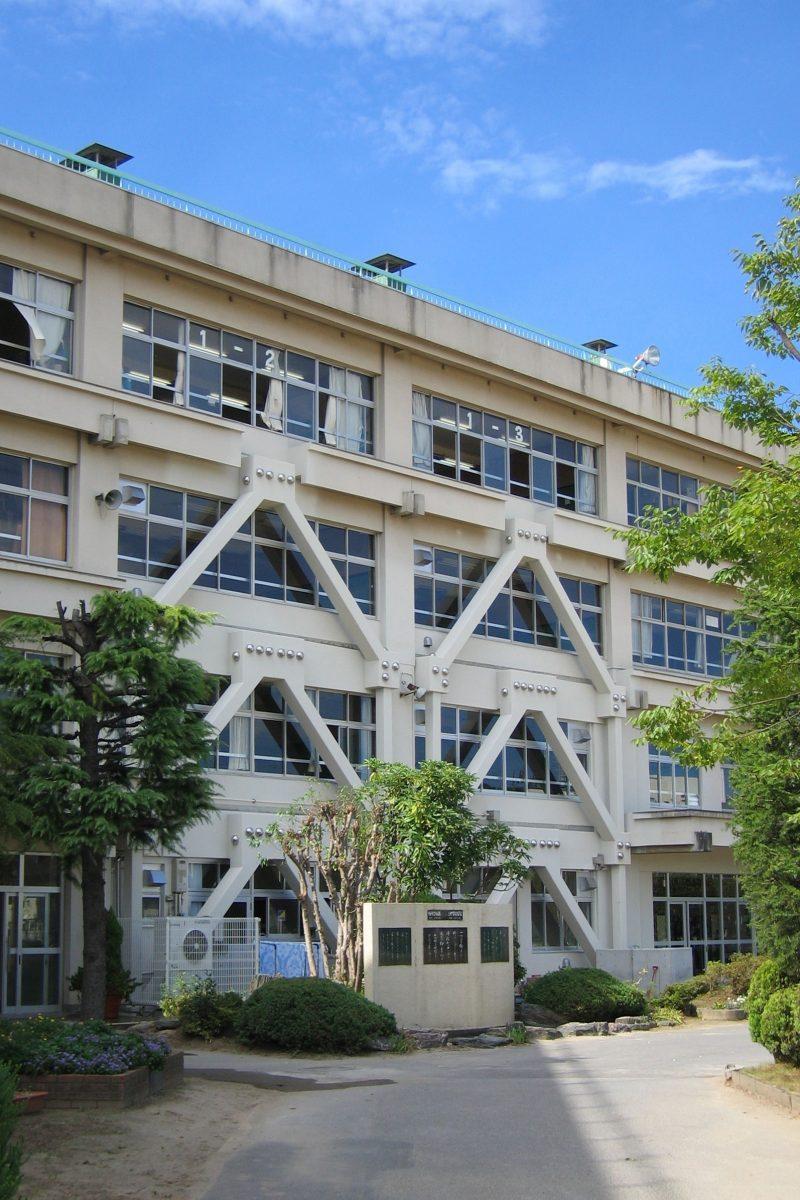 柏市立柏第三中学校のサムネイル