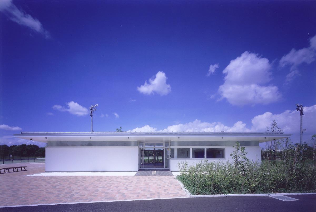 柏の葉公園 庭球場クラブハウスのサムネイル