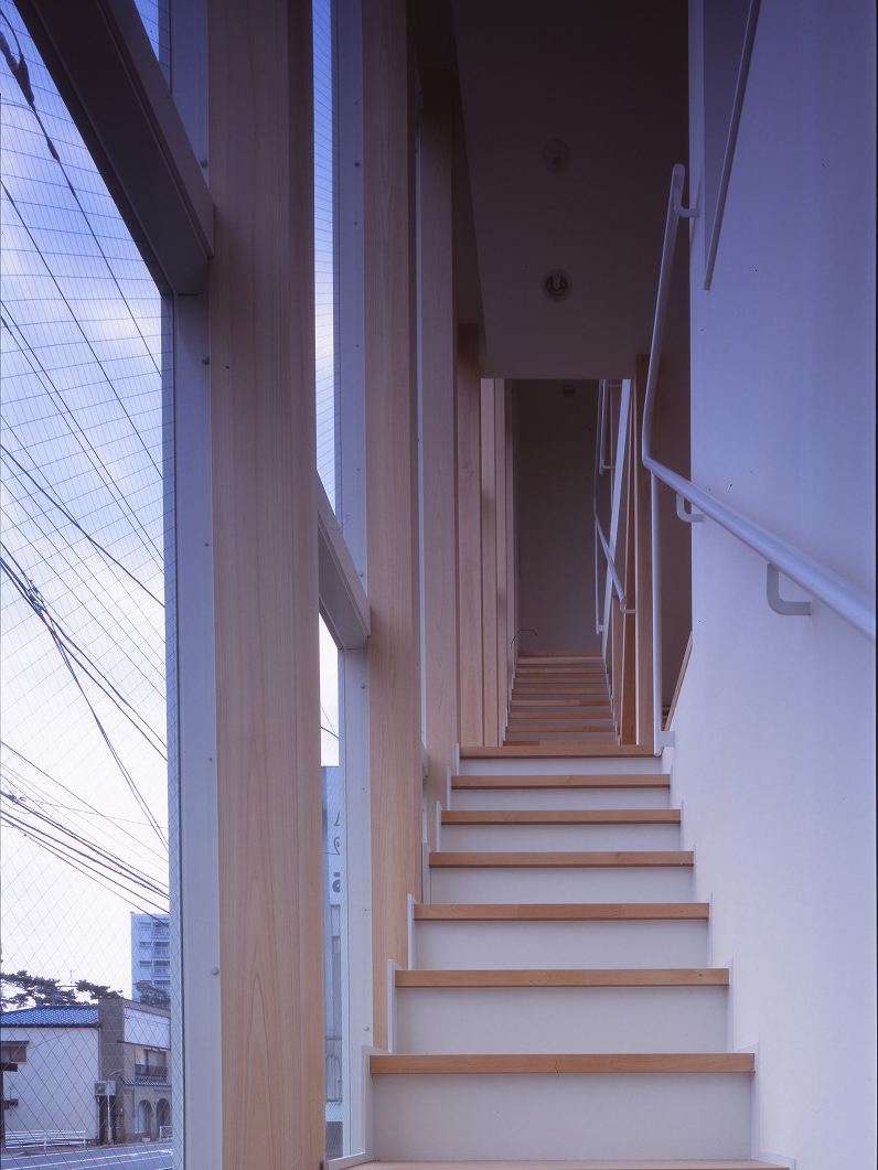 階段の家のサムネイル