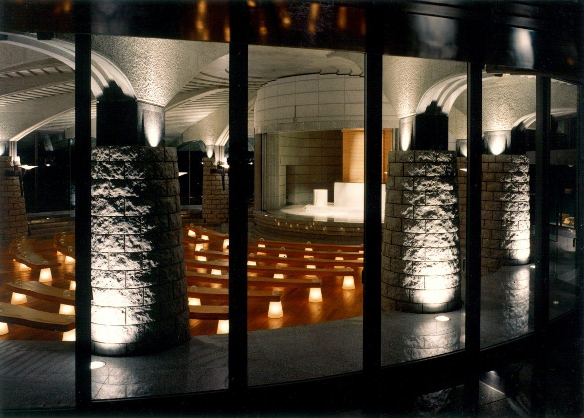 神慈秀明会黄島神殿椅子のサムネイル
